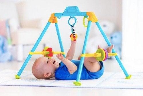Tidlige stimuleringsøvelser for små barn