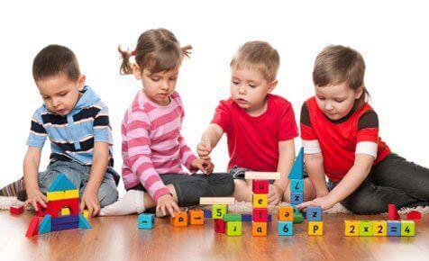 Barn lærer former og tall