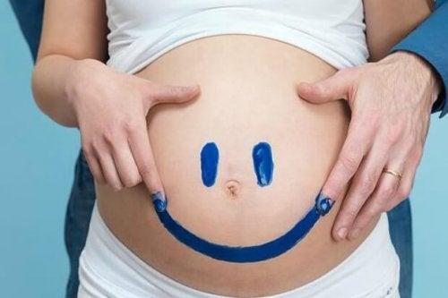 8 tidlige tegn på fødsel du bør kjenne til