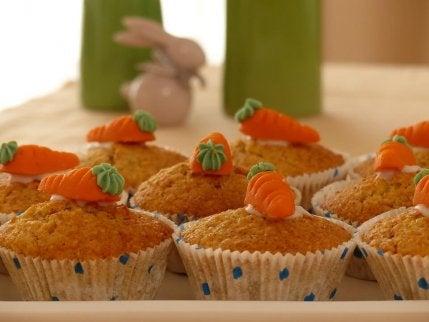 Gulrotmuffins er en av flere oppskrifter som inneholder gulrøtter for barn.