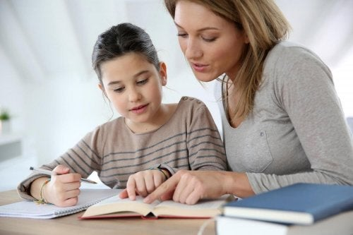 Hjelpe barnet ditt å studere