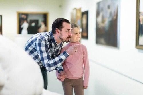 Lydighet kontra fri tenking: Hva burde du lære barna dine?