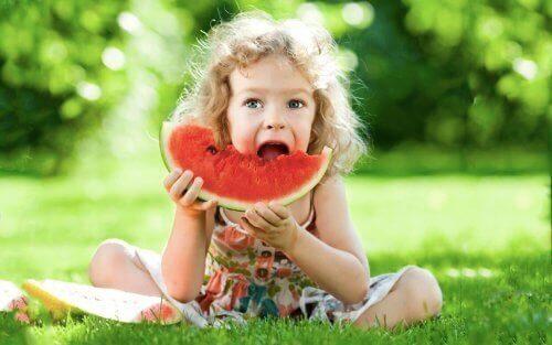 Gode og sunne mellommåltider for barn