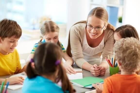 Barn uten respekt for lærere: Hva kan du gjøre?
