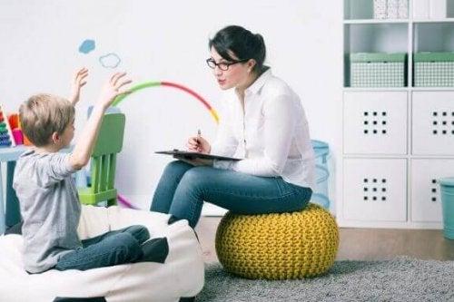 Hva er pediatrisk psykologi? Det grunnleggende