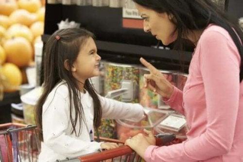 Hvorfor vi ikke bør gi barna alt de ønsker seg