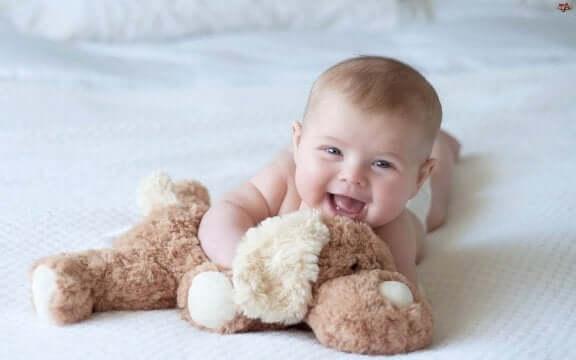 baby og kosedyr
