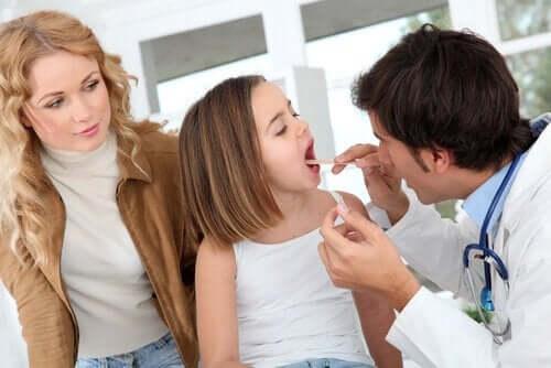 Halsundersøkelse av barn