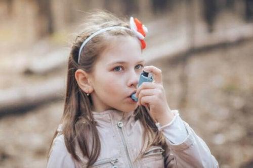 Skole og astma: Hva du burde vite