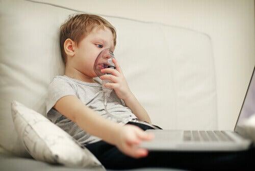 Cystisk fibrose hos barn: Symptomer og behandling