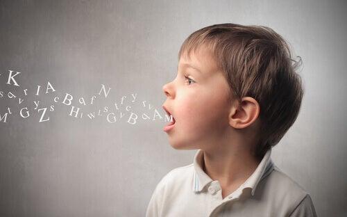 Lære språk i barndommen: Hvordan hjelpe barnet ditt?