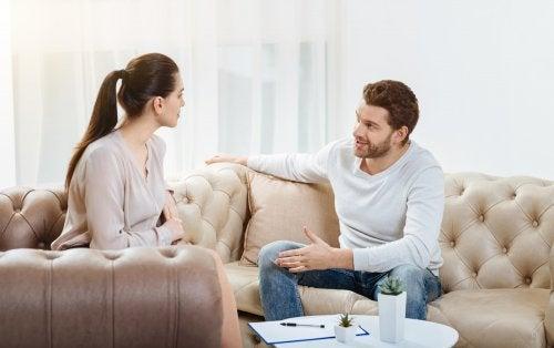 Par som kommuniserer.