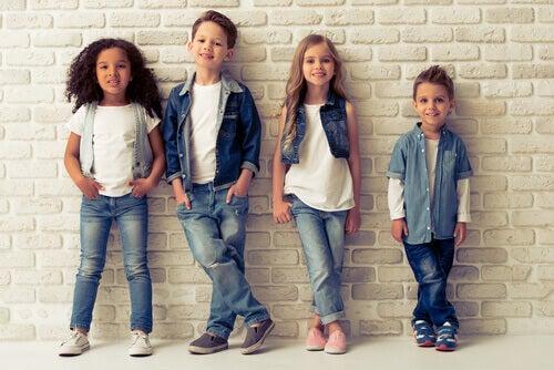 Tips om hvordan du kan velge klær til barna