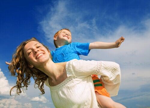 Hvordan bygge et sunt bånd med barnet ditt?