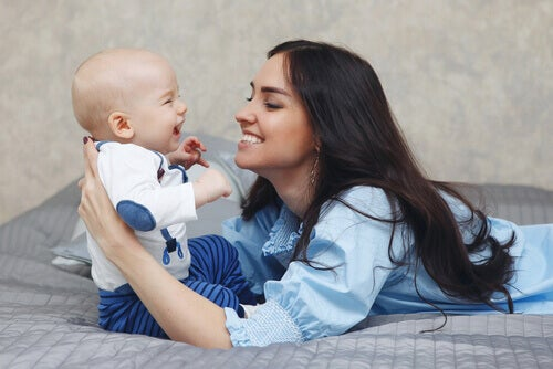 Måter å stimulere hørselen til babyen din på