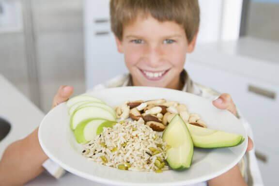 Hvordan ernæring påvirker skoleprestasjoner