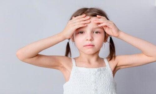 Underernæring i barndommen fører til hodepine.