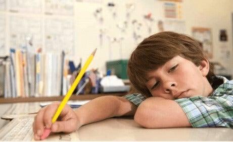 Hvordan man kan hjelpe barn i den pedagogiske prosessen