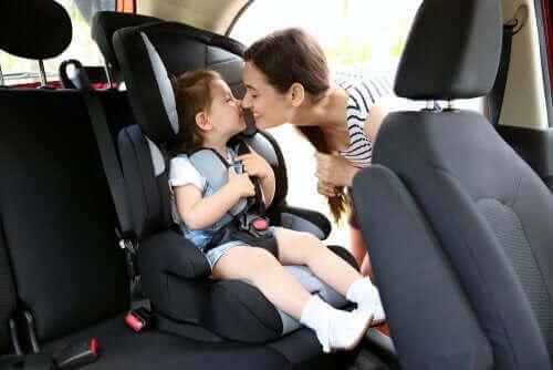 Riktig bruk av barneseter i bil