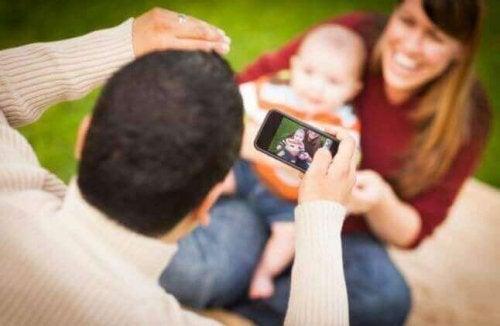 Foreldre som overeksponerer barn i sosiale medier
