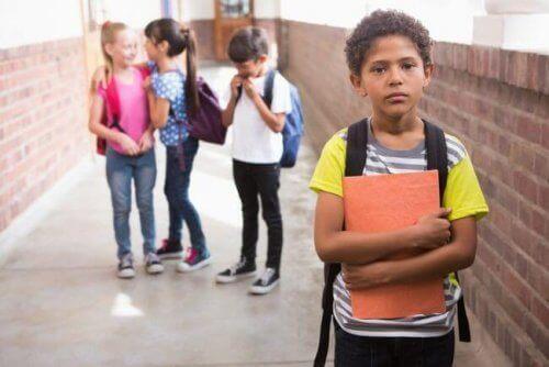 Isolering på skolen: Hva er det og hvordan unngås det?