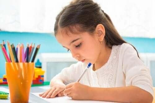 Lær barna å lage diagrammer som en studieteknikk