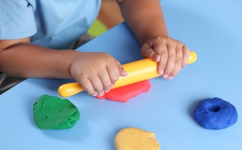 5 aktiviteter for å la barna utforske taktil stimulering