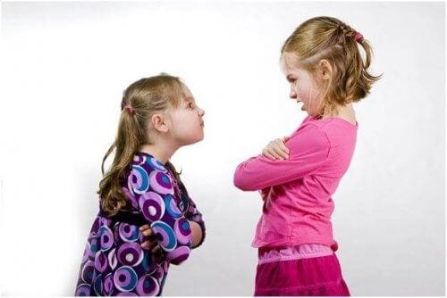 3 måter å lære barn problemløsningsferdigheter på