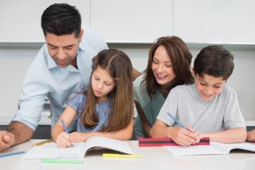 Hvordan utvikle et vekstorientert tankesett i løpet av barndommen