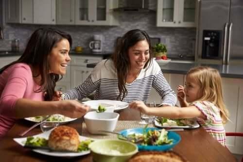 Psykologiske tips for å hjelpe barna med å spise godt