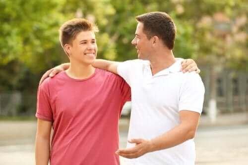 6 tips for å forbedre tenåringens holdning