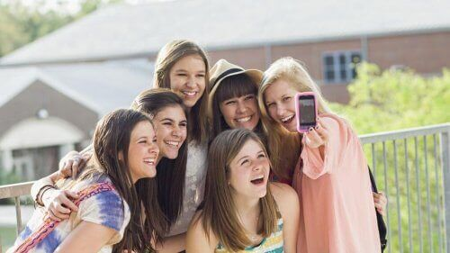 Farene ved sosiale medier for tenåringer