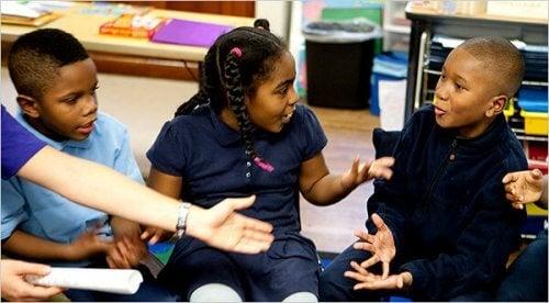 3 måter å lære barn problemløsende ferdigheter på