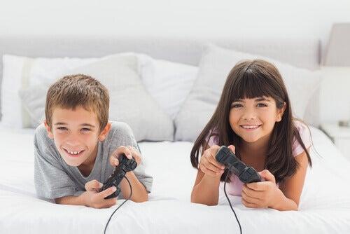 Fordeler med videospill for barn som vil overraske deg