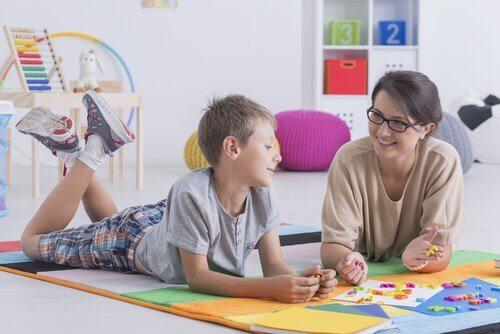15 spørsmål å stille når du intervjuer barnepasser