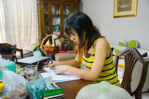 Vanlige dårlige studievaner man bør unngå