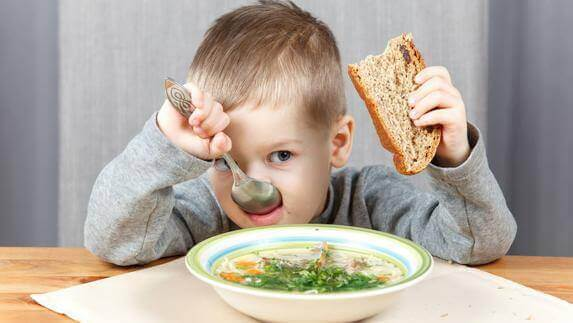 Lærer du barnet ditt å spise sunt?