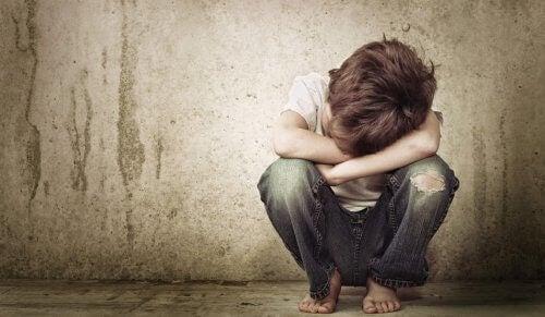 5 emosjonelle sår i barndommen som varer til voksen alder