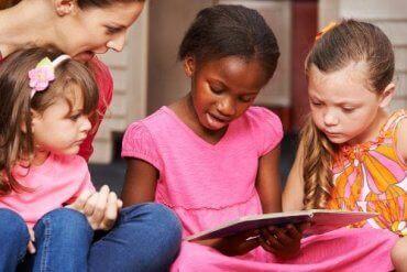 Tips for å hjelpe barna med å begynne å lese