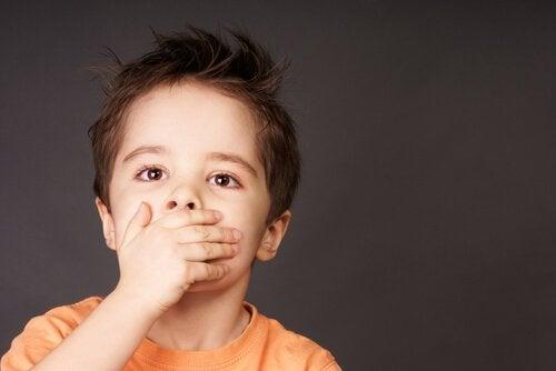 Dysartri hos barn: Symptomer, årsaker og behandling