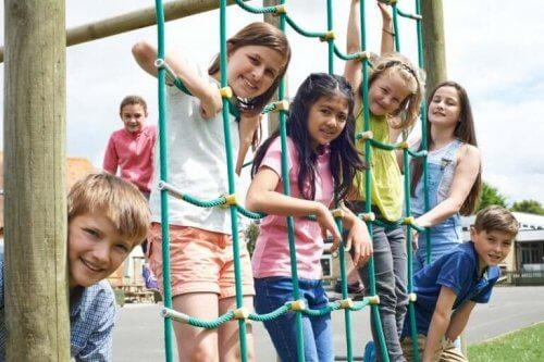Er det lovlig å straffe barn ved å nekte dem friminutt?