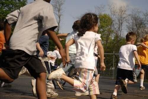 Er det lov å straffe barn ved å nekte dem friminutt?