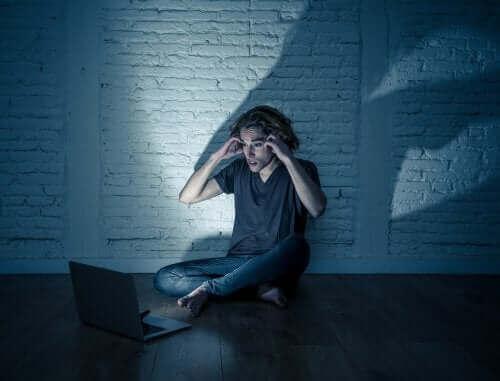 Økningen i nettmobbing blant ungdom