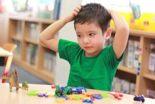 Å lære barn ydmykhet er grunnleggende for verdigrunnlaget deres i barndommen.