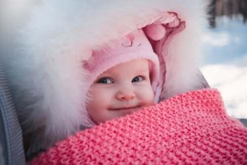 Vinterklær til nyfødte babyer