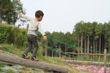 7 tips for å forbedre barns balanse