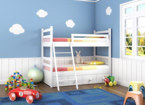 Ideer for å innrede et soverom som barna deler