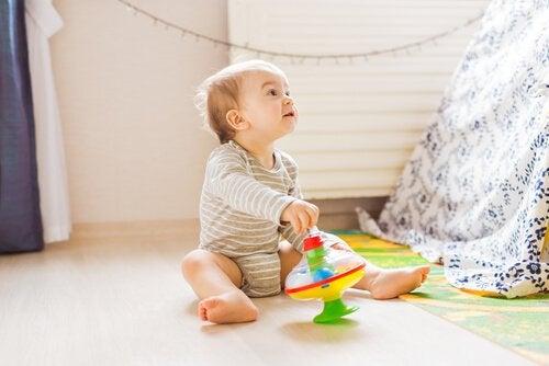 Nysgjerrighet hos barn: Karakteristikker og flere fordeler