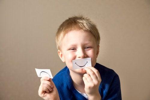 4 aktiviteter for å fremme selvbevissthet hos barna dine