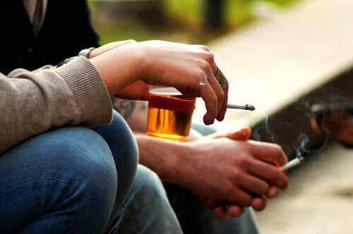 Hvordan hindre at tenåringen din drikker alkohol?